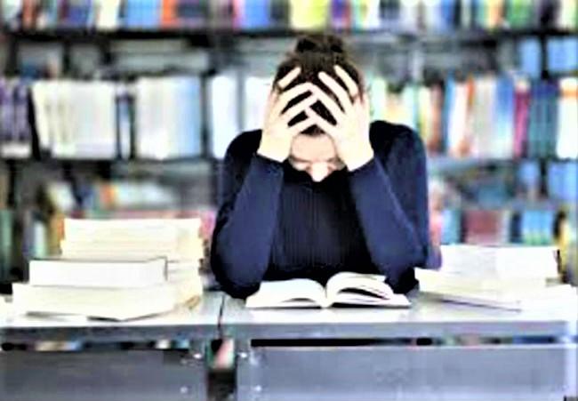 學業是青少年壓力來源之一。(圖:網絡圖片)