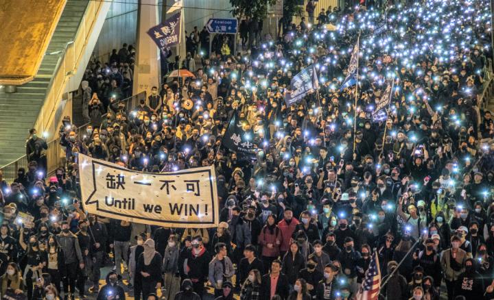 教牧禱告運動前一日[12月8日]香港80萬人上街繼續爭取五大訴求。(圖:Studio Incendo)