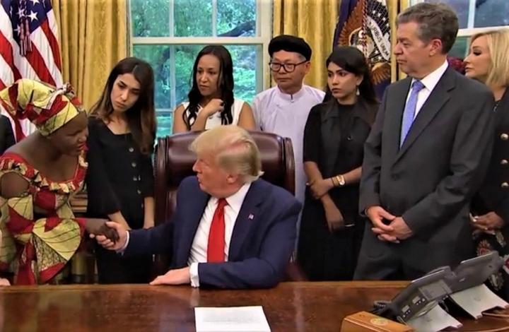 美國總統川普1月16日宗教自由日在白宮接見遭受信仰歧視的宗教者。(圖:視頻擷圖)