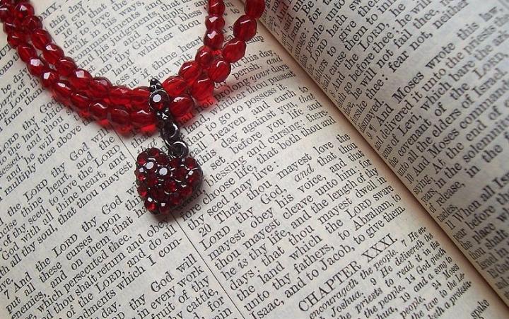 重生信徒以聖經為權威。(圖:FreeImage)