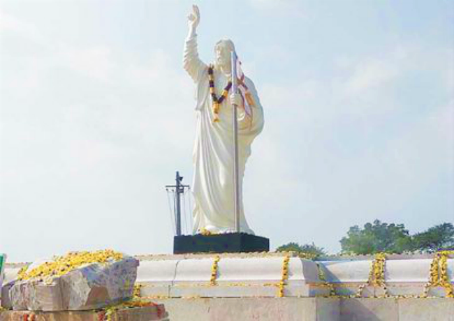 印度卡納塔克邦班加羅爾大主教區正興建114英呎高的耶穌雕像。(圖:Mangalorean News)