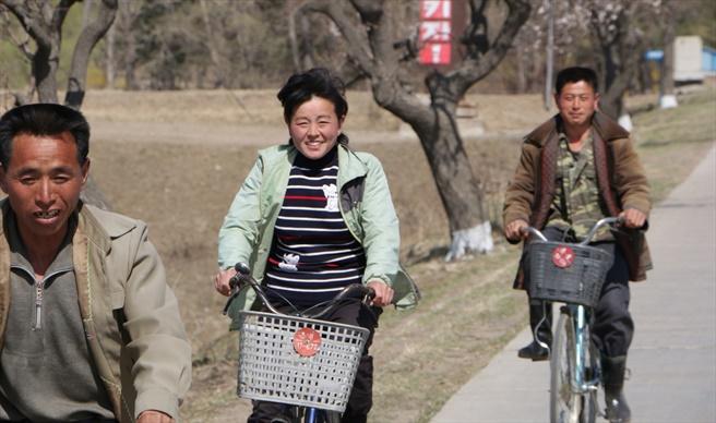 北韓人民。(圖:敞開的門)
