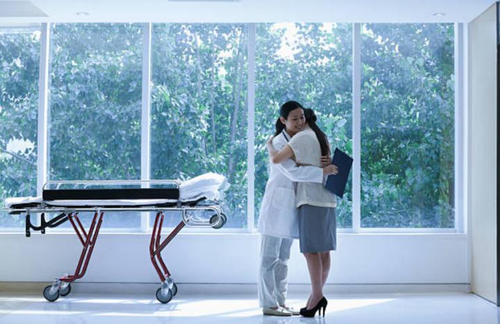 情緒取向療法:感受和接納自己情緒。(圖:Getty Images)