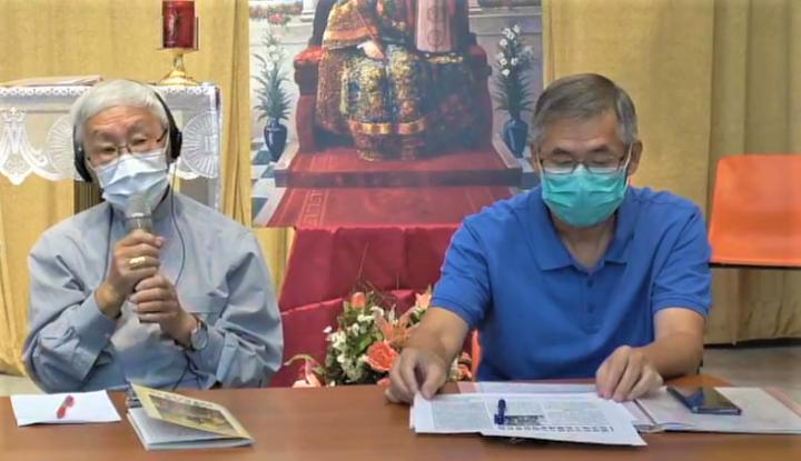 陳日君樞機[左]、郭偉基神父[右]。(圖:香港天主教正義和平委員會視頻擷圖)