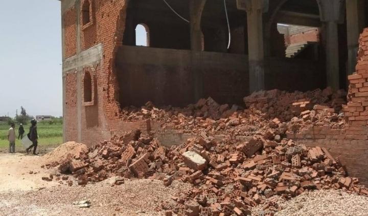 貝赫拉的庫姆·法拉格一座基督教堂遭拆毀。(圖:網絡圖片)