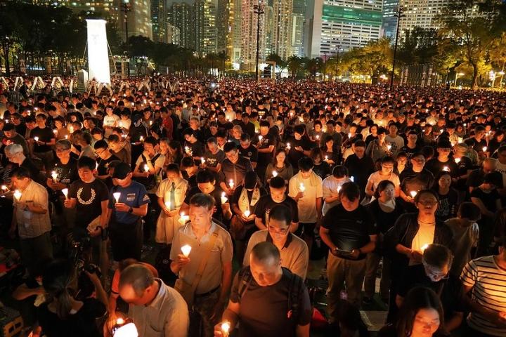 十多萬名香港市民參與2019年六四紀念晚會。(圖:Flickr/etan liam)