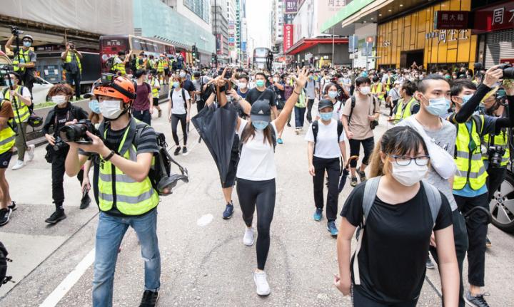 市民走上街頭反對港版《國安法》。(圖: Studio Incendo )