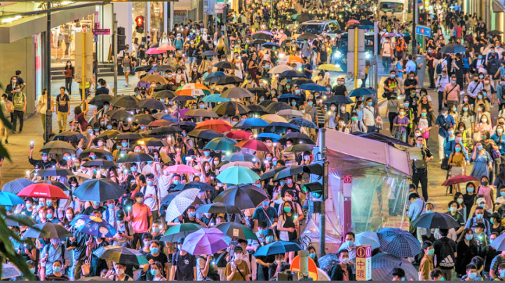 大批市民在中環遊行記念反修例運動一周年。(圖:Studio Incendo)