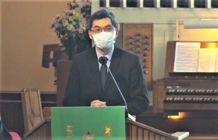 邢福增院長在崇基禮拜堂證道。(視頻擷圖)