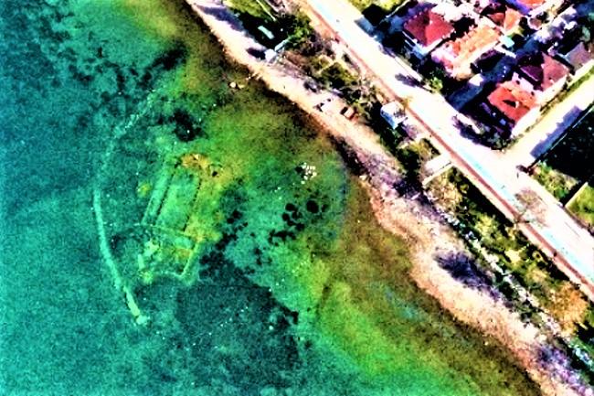 伊茲尼克鎮湖1600年歷史大教堂浮現水面。(圖:網絡圖片)