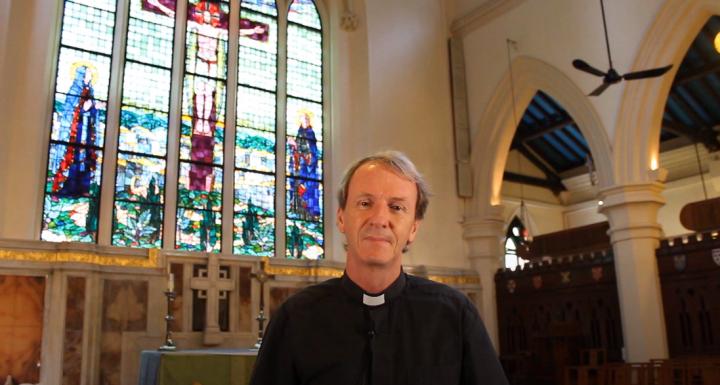 威爾·紐曼牧師[Rev Will Newman]。(圖:視頻擷圖)