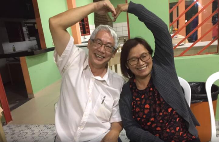 李莊秀珠師母及丈夫李楚帆傳道。(圖:華傳視頻擷圖)