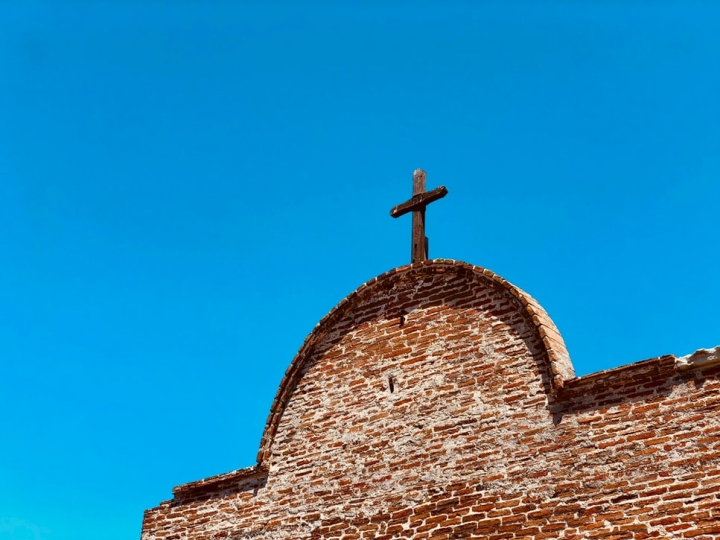 教會十字架。(圖:Unsplash)