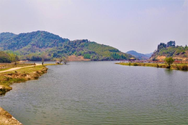 盈江縣蘇典傈僳族鄉的勐劈河。(圖:維基百科)