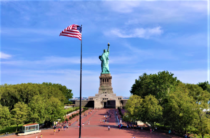 自由女神像成為美國追求民主精神的標誌。(圖:維基百科)