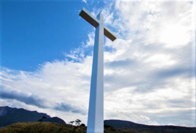 耶穌釘十字架當擔人的罪債。(圖:freepik)