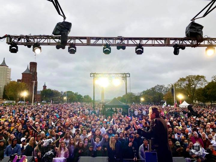 敬拜音樂會吸引35,000人參加。(圖: Sean Feucht facebook)