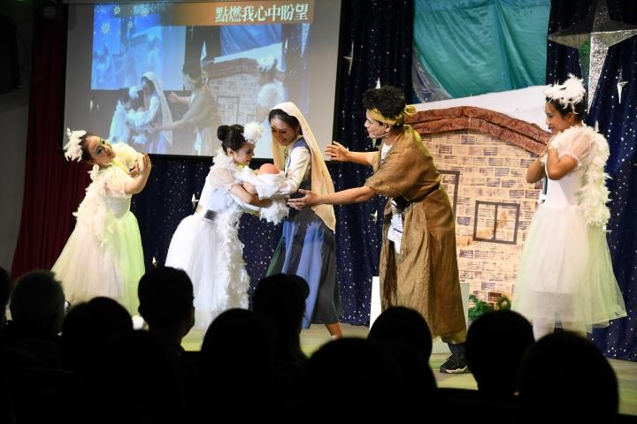 聖誕戲劇晚會_馬利亞、約瑟與天使一同迎接耶穌的降生。(圖: 士林靈糧堂提供)
