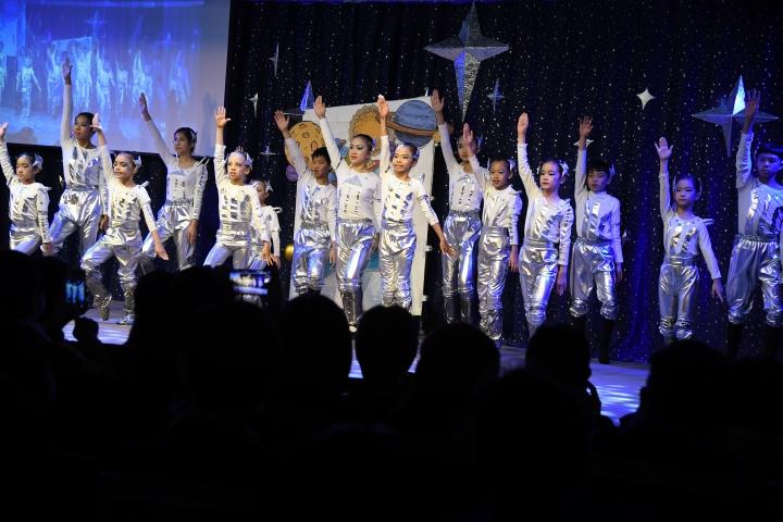 聖誕戲劇晚會_兒童精采星空舞蹈表演。(圖: 士林靈糧堂提供)