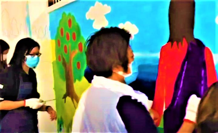 藝術家共同創作壁畫。(圖:宣傳視頻擷圖)