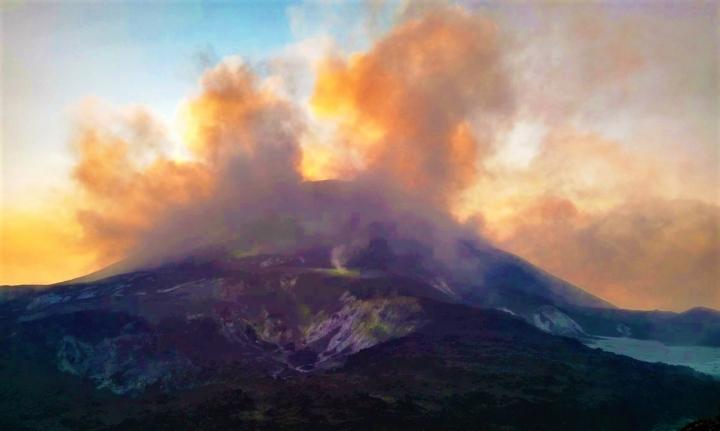 勒沃托洛火山。(圖:網絡圖片)