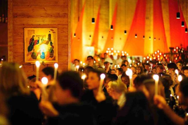 泰澤歐洲聚會年青人共融祈禱。(圖:泰澤網頁)