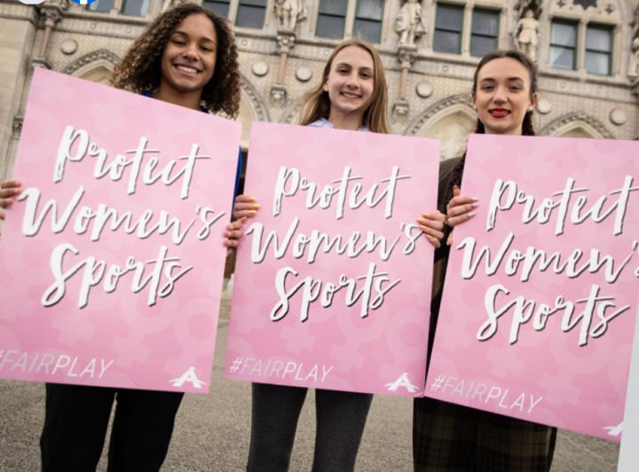 學生反對教育部門允許「生物男性」可參與女子運動項目。(圖: Alliance Defending Freedom facebook)