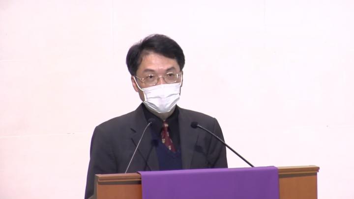 葉菁華在神學生日證道。(圖:YouTube擷圖)