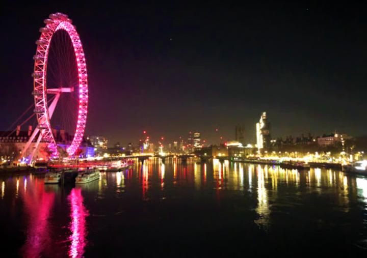 倫敦眼夜景。(圖:google map)