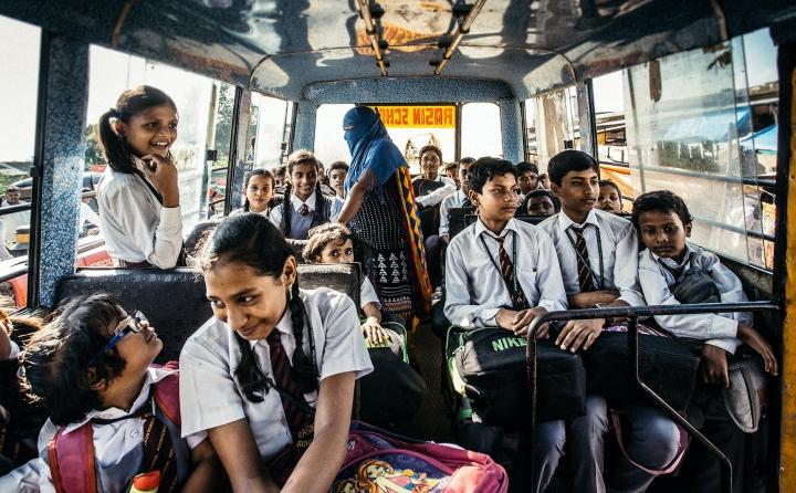 學童在校車。(圖:Pexels)