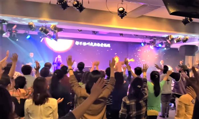 讚美之泉4至6月舉辦「深深敬拜」聚會。(圖:讚美之泉臉書)