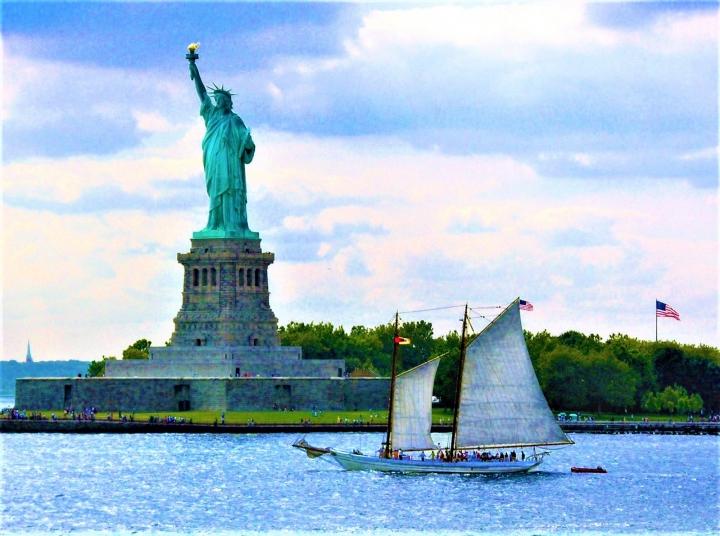 象徵美國尊重多元平等價值的自由女神像。(圖:FreeImage)