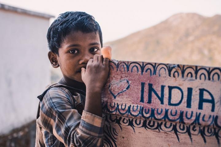 印度男孩。(圖:Pexels)