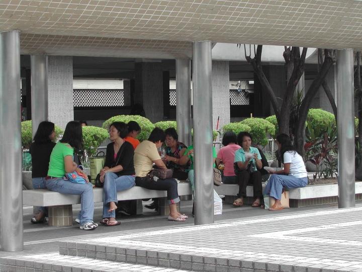 香港皇后廣場為外傭聚集的地方。(圖:維基百科)