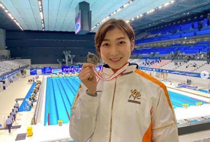 池江璃花子在今年2月日本游泳公開賽奪銀牌。(圖:池江璃花子IG)