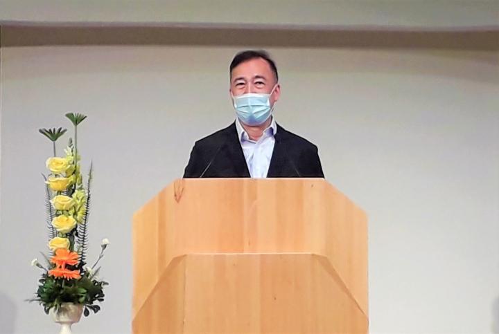余德淳在香港角聲佈道團感恩年會談家庭婚姻。(圖:基督日報)