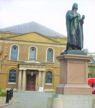 衛斯理禮拜堂豎立約翰衛斯理像,為倫敦地標,地下室設有衛理公會博物館。(圖:維基百科)