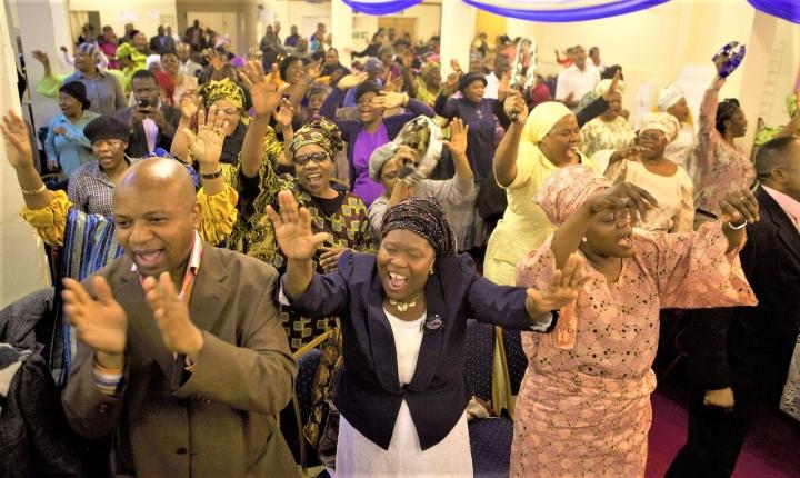 非裔信徒成為「後殖民傳教士」福音傳回英國。(圖:quartz africa.com)