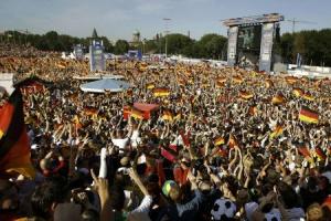 萬眾期待的世界杯昨天開幕。 (圖: 路透社/ Christian Charisius) <br/>