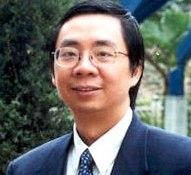 2005年12月5日,海外基督使團(OMF)國際主任馮浩鎏醫生正式接任使團國際第十任總主任一職,成爲OMF140年歷史上首次任命一位亞裔擔任其國際總主任。(圖:OMF) <br/>