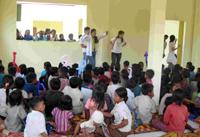 位於垃圾山旁拾萬寨村的教會,平均出席崇拜人數達70位。(圖:ICC) <br/>