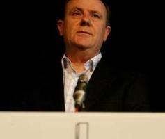 澳洲國庫部長在澳洲基督教議員(Australian Christian Lobby)年會上建議穆斯林將宗教和國事分開。(圖:澳洲人報) <br/>