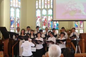 聖樂詩班帶來了「耶和華是我的牧者」以及「Emanuel 神於我同在」兩首朗誦詩歌。 <br/>