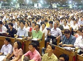 昨日(即7月14日)創立美國加州超級教會馬鞍峰教會華理克博士在南韓汝矣島舉行了抵韓以來的第一次講座。(Source:Christian Post) <br/>