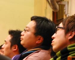 (中間)Herbert將會再次回到香港的浸信會神學院繼續攻讀神學,立志成為傳道人。 <br/>